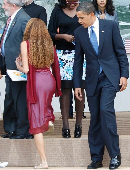 obama-checking-out-girls-butt-lauren-conrad-sex-tape-photos